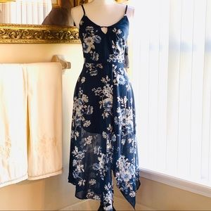 ✔️Honey and Rosie Navy/Ivory Floral dress size S